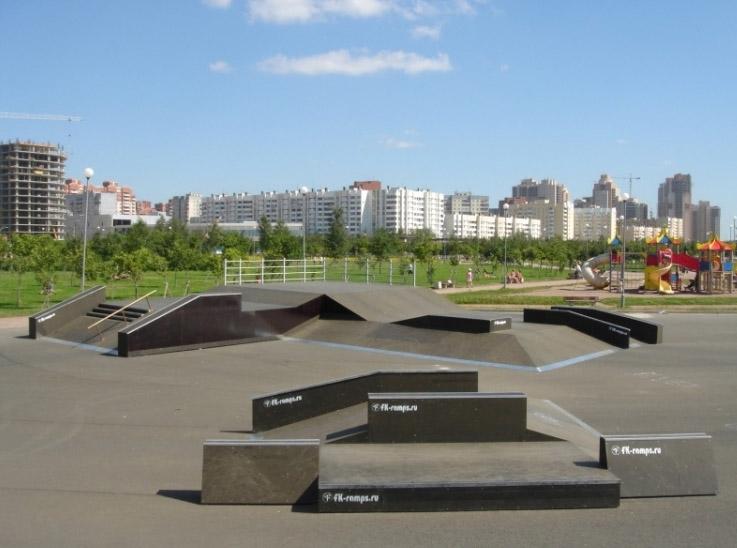 Скейт-парк в парке Трёхсотлетия